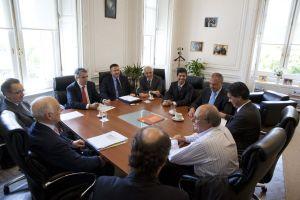 Capitanich recibe al Gobernador Buzzi, Carlos Bulgheroni y empresarios